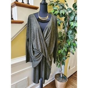 Fashion To Figure Twist Front HiLow Tunic Size 3
